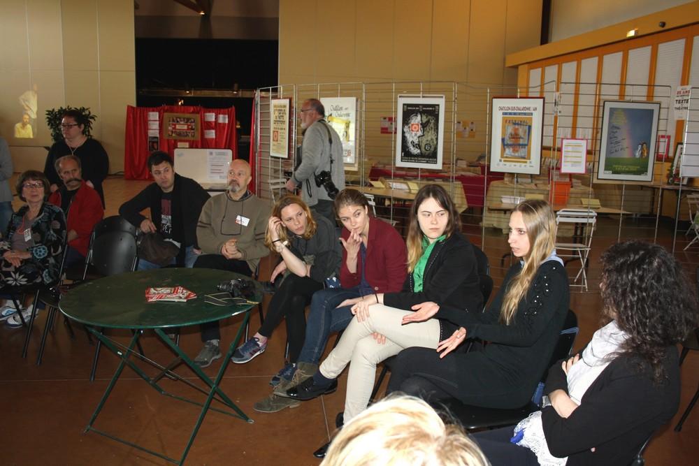 Rencontres avec l'équipe de comédiennes de Pologne. Pièce Pour rire pour passer le temps